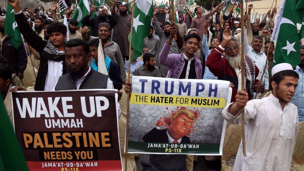 Supporters of banned Islamic charity Jamat ud Dawa attend a protest against President Trump's decision to accept Jerusalem as Israel's capital, in Karachi, Pakistan, Dec. 10, 2017.