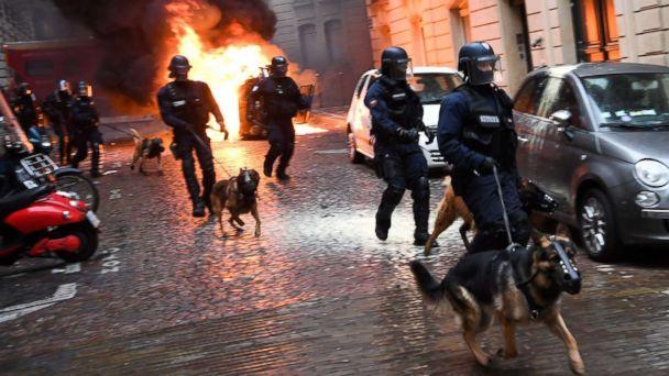 https://s.abcnews.com/images/International/paris-2-gty-er-181210_hpMain_16x9_608.jpg