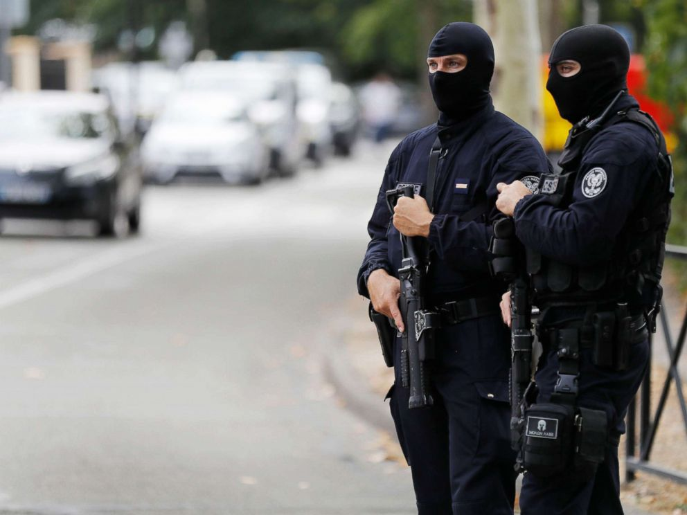 PHOTO: French police establish a security perimeter around a residential pavillion in France, Aug. 23, 2018.