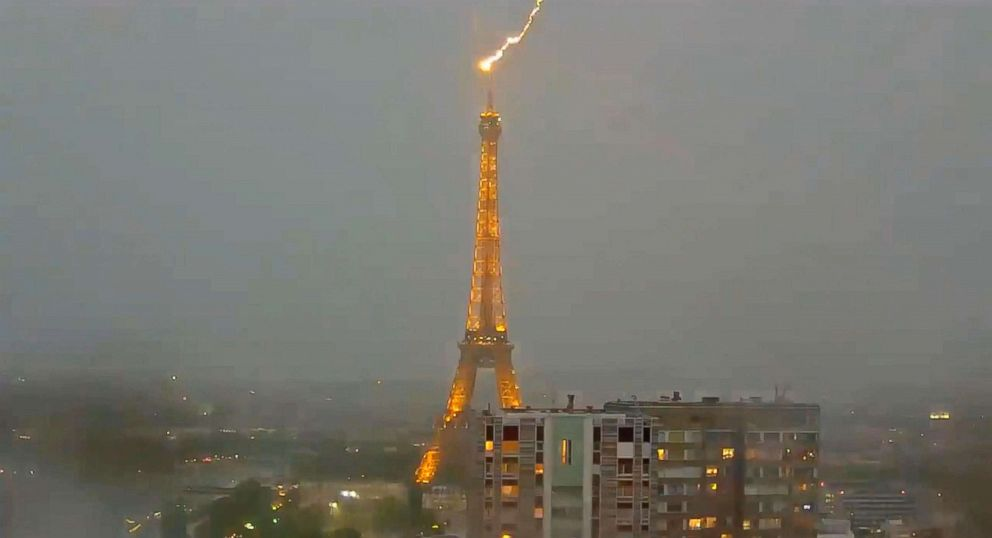 PHOTO: Lightning struck the Eiffel Tower in Paris on May 28, 2018. spectacular images of lightning striking the eiffel tower Spectacular images of lightning striking the Eiffel Tower paris lightning eiffel tower1 ml 180530 hpEmbed 24x13 992