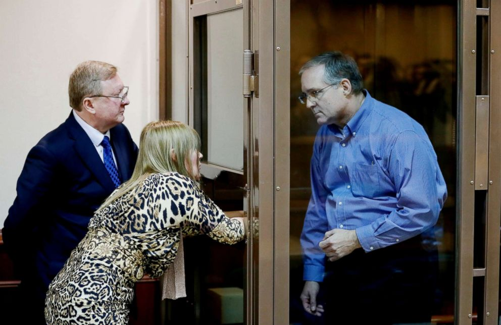 PHOTO: Suspected spy Paul Whelan, right, and his lawyer Vladimir Zherebenkov during a hearing of an appeal on his arrest at the Moscow City Court in Moscow, Jan. 22, 2019.