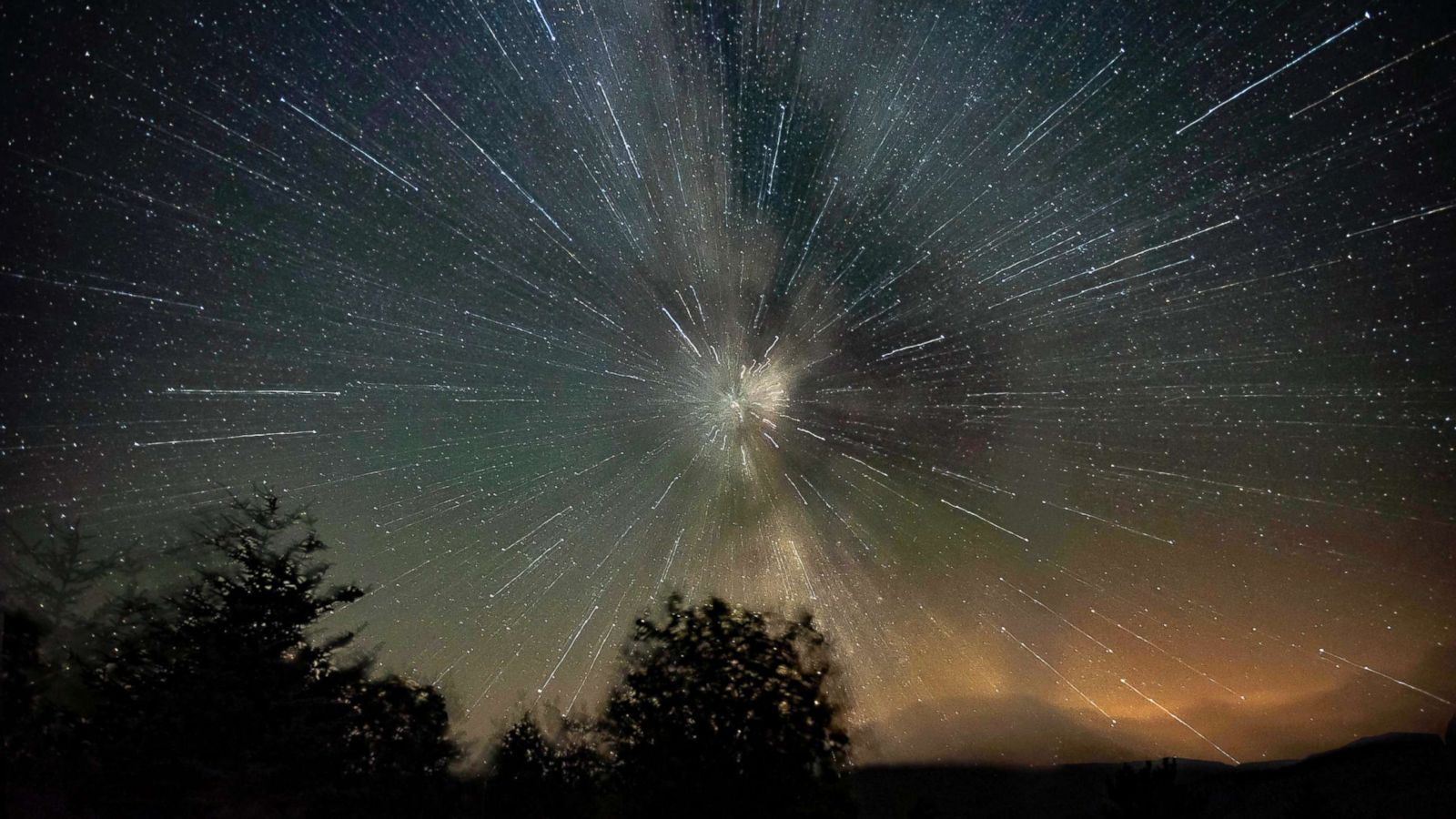 Best Images From This Year S Perseid Meteor Shower Abc News