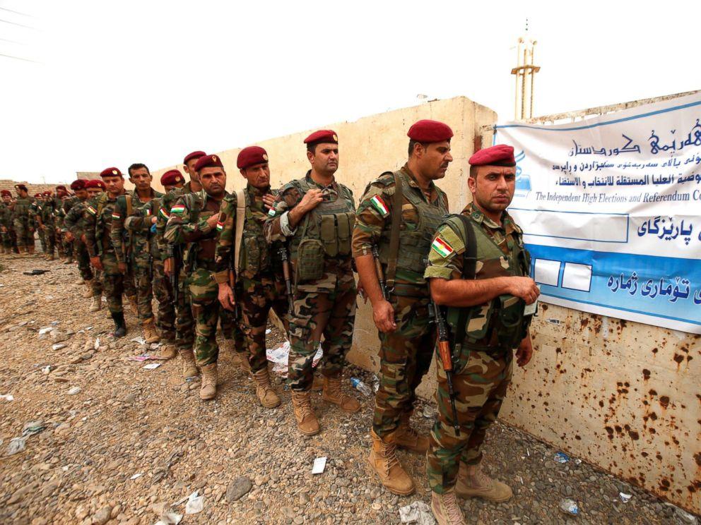 PHOTO: Peshmerga forces stand in line to vote during Kurds independence referendum in Sheikh Amir village, Iraq, Sept. 25, 2017.