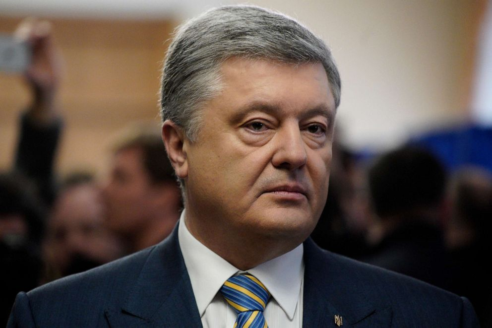 Comedian leads Ukraine presidential vote, runoff in 3 weeks