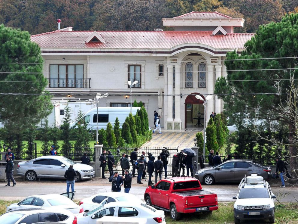 PHOTO: Turkish forensic officers conduct a search at a villa in the village of Samanli in Yalovas Termal district, Turkey, Nov. 26, 2018.