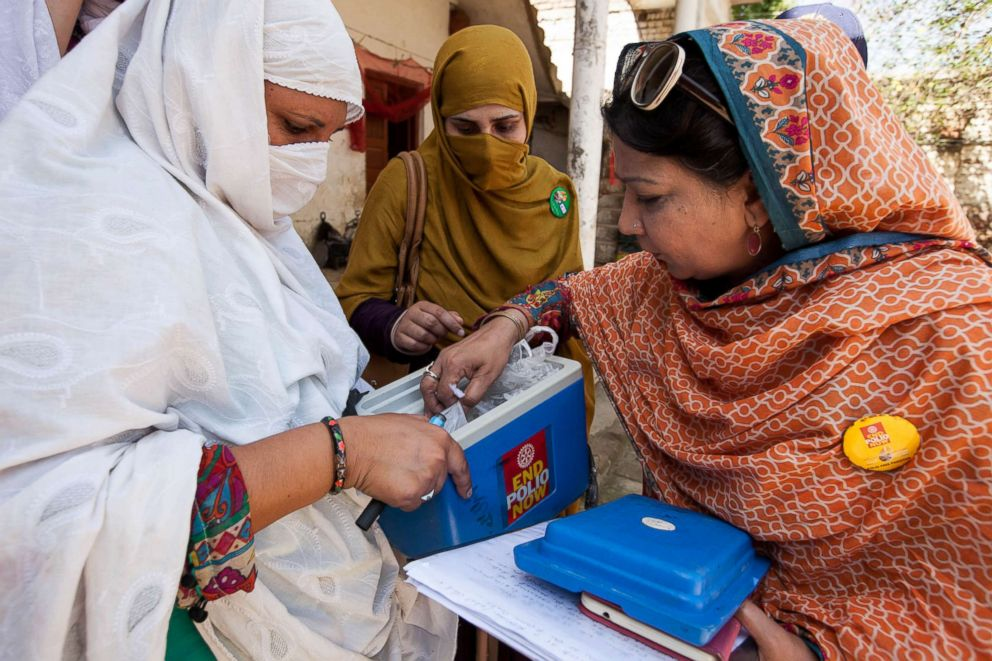 PHOTO: The efforts to eradicate polio in Pakistan intensify through partnership coordination, routine immunization, reaking down cultural barriers and implementing a permanent transit post strategy targeting the hgh risk mobile population of Pakistan.