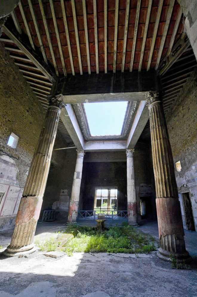 One of the rooms of the Domus Nozze d'Argento (room of the Silver Wedding) in Pompeii, Italy, 17 May 2018.