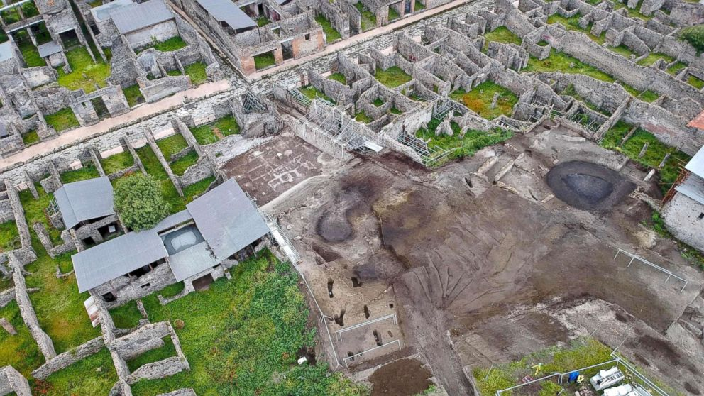 A handout photo made available by The Special Superintendency for the Archaeological Heritage of Naples and Pompeii (SANP) shows aerial view of the excavation works at the archaeological site of Pompeii, where the 'Vicolo dei Balconi' (Alley of Balconies) was recently uncovered in Pompeii, Italy, May 17, 2018.