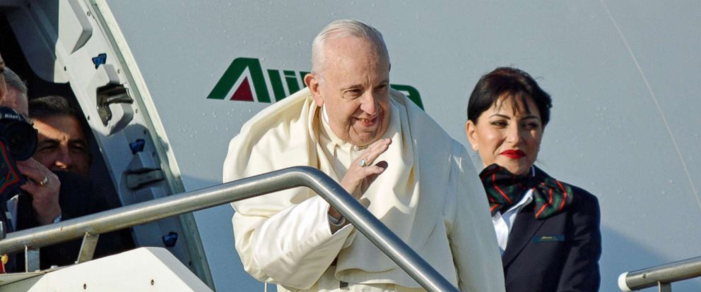 PHOTO: Pope Francis waves as he boards a plane on his way to Panama, at Romes Leonardo Da Vinci international airport, in Fiumicino, Italy, Jan. 23, 2019.