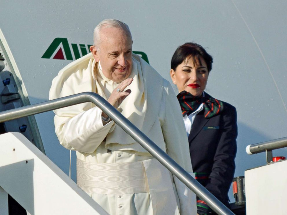 Pope touches down in Panama, meets first couple