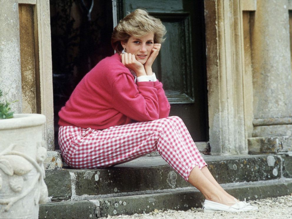 PHOTO: Princess Diana sitting on the steps of her home at Highgrove, Gloucestershire, U.K., July 18, 1986.