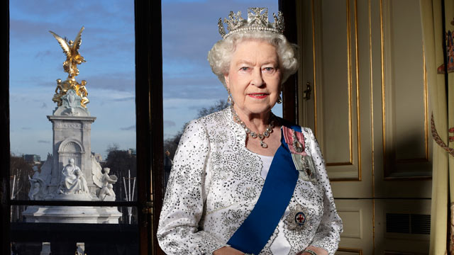 PHOTO: HM Queen Elizabeth II is photographed in the Centre Room of Buckingham Palace, for her official Diamond Jubilee portrait.
