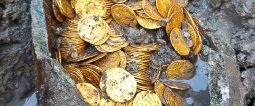 PHOTO: Hundreds of gold coins dating to the 4th or 5th century were found in an archaeological dig in Como, Italy.