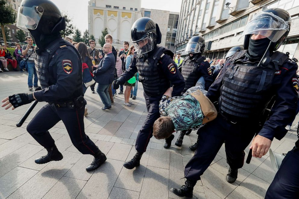 At least 800 arrested in violent Moscow protests