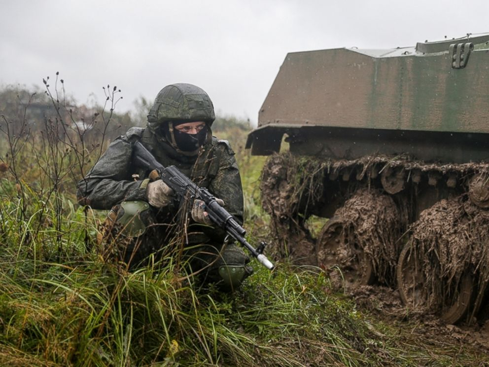 PHOTO: A Russian serviceman attends a military exercise at a training ground near Kaliningrad, Russia, Sept. 18, 2017.