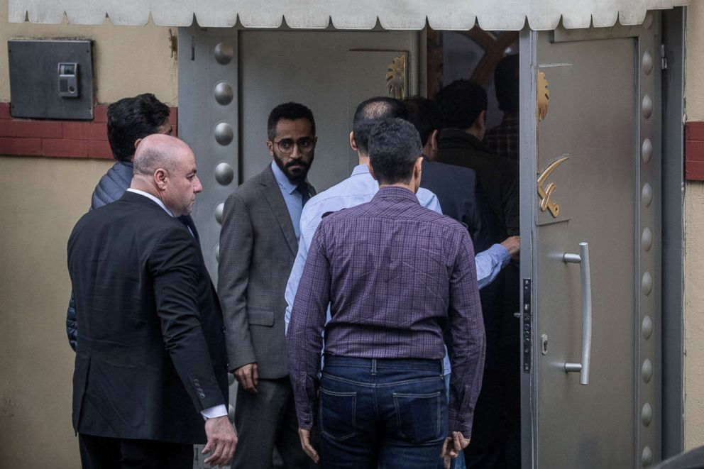 PHOTO: Saudi investigators arrive ahead of Turkish police at the Saudi Arabian consulate on Oct. 15, 2018 in Istanbul.