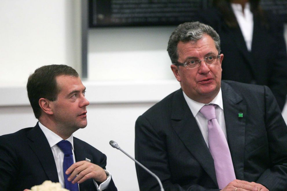 PHOTO: Russias President Dmitry Medvedev (L) and his Foreign Policy Advisor Sergey Prikhodko (R) are seen during a Russian-Argentina Summit at the government palace April 14, 2010 in Buenos Aires.