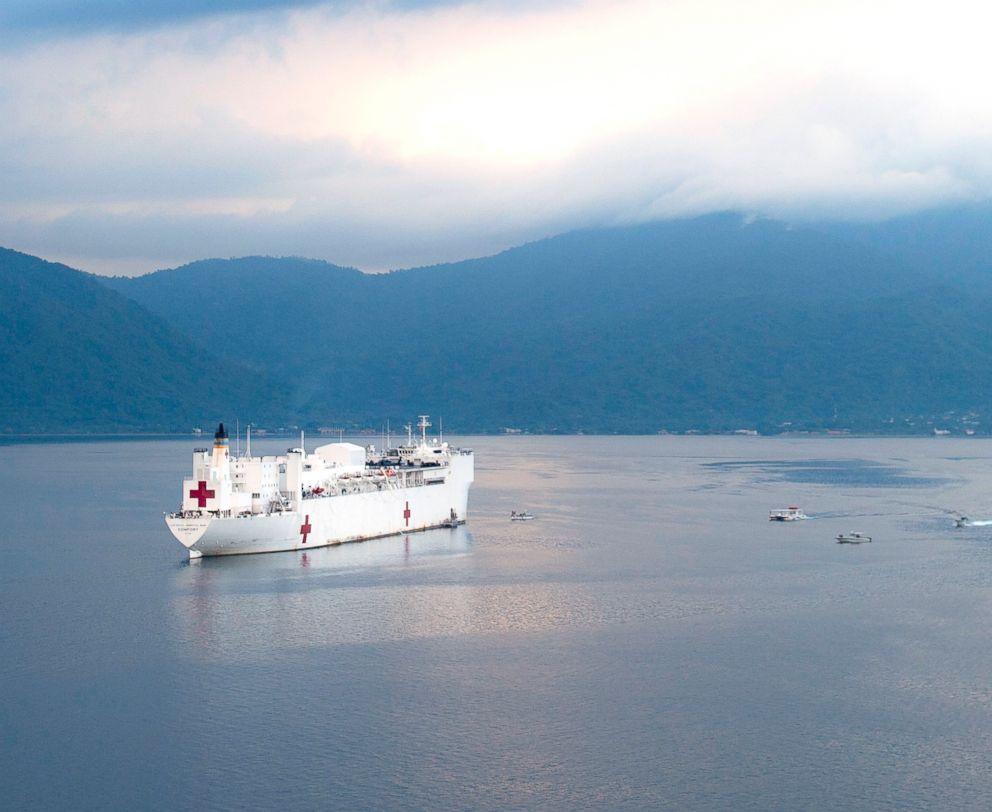 PHOTO: The hospital ship USNS Comfort (T-AH 20) is anchored off the coast of Honduras, Dec. 6, 2018.