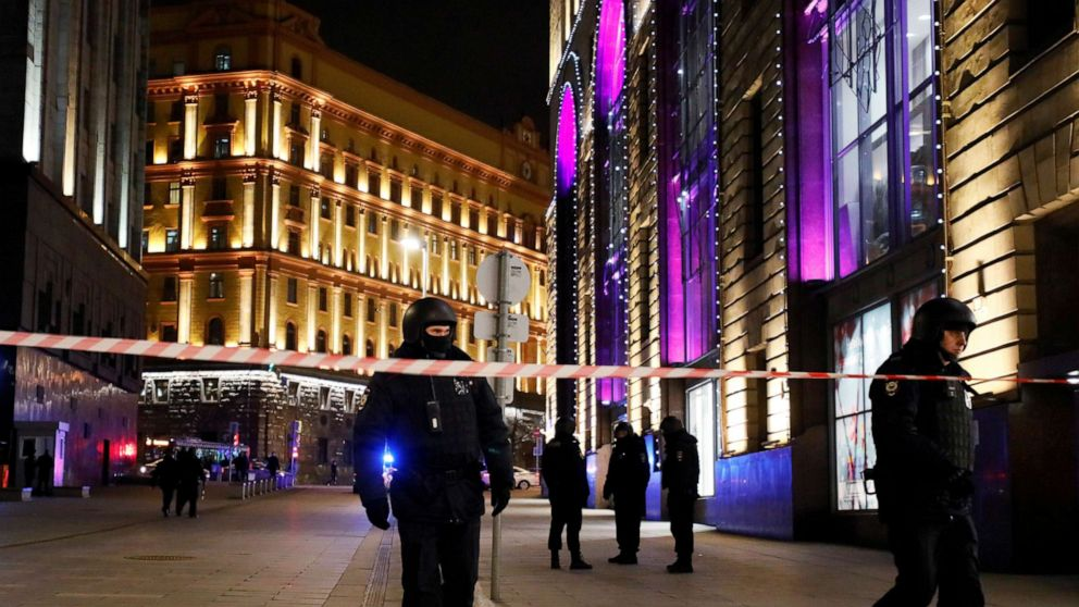Russia names shooter in attack on spy headquarters thumbnail
