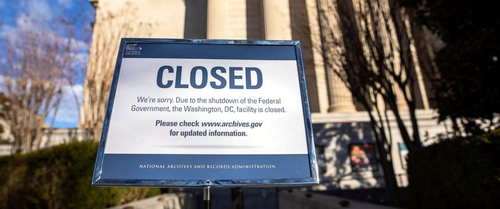 PHOTO: A sign announces the closure of the National Archives building in Washington, D.C., Dec. 22, 2018.