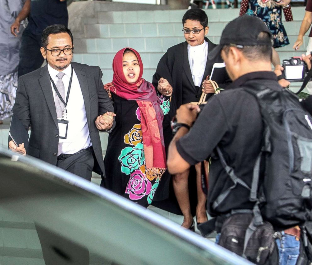 Indonesian Siti Aisyah (center) leaves the Shah Alam High Court in Malaysia, March 11, 2019.