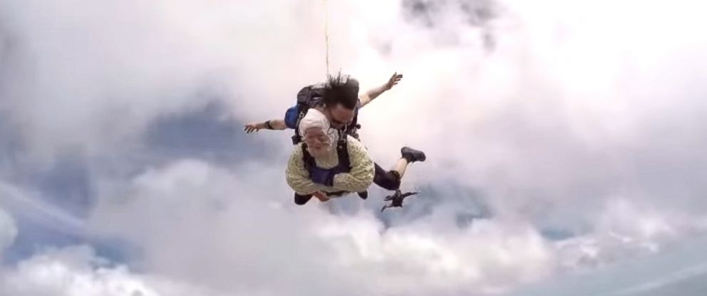 PHOTO: Irene OShea,102, became the oldest female skydiver in the world after she jumped out of a plane in South Australia on Dec. 9.