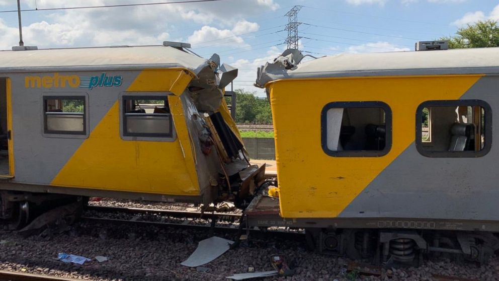 4 killed and more than 600 injured in South Africa train crash