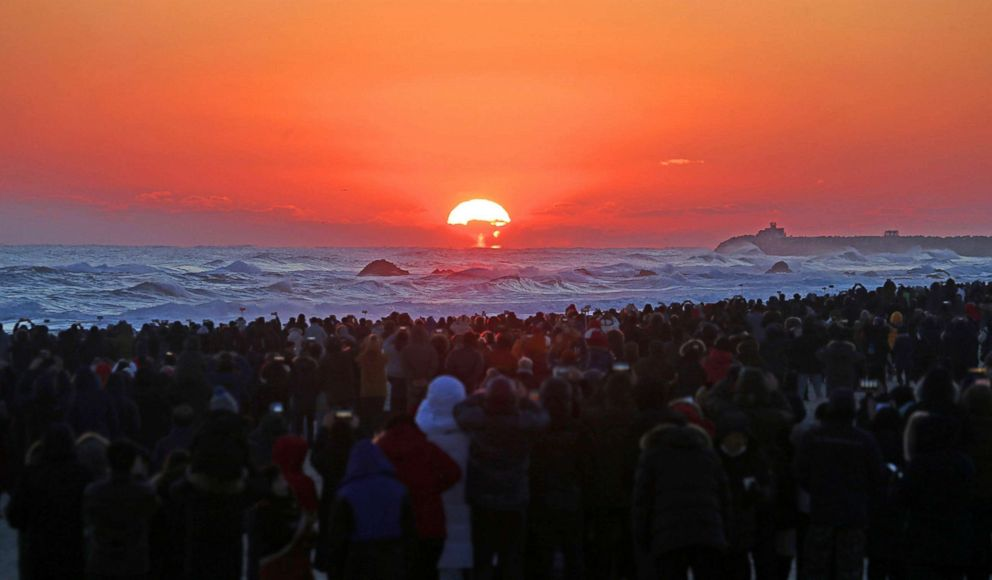 PHOTO: A huge crowd watches the New Years Day sunrise on Masangsang Beach in Donghae, east of Seoul, South Korea, Jan. 1, 2018.
