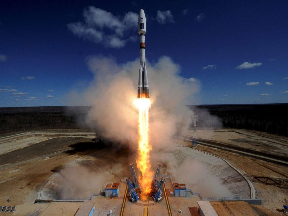 PHOTO: A Russian Soyuz 2.1A rocket carrying Lomonosov, Aist-2D and SamSat-218 satellites lifts off from the launch pad at the new Vostochny cosmodrome outside the city of Uglegorsk, in the far eastern Amur region, Russia on April 28, 2016.