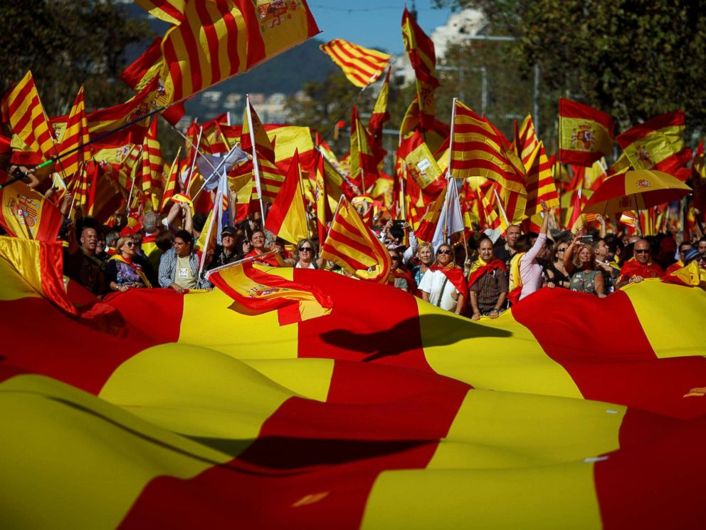 PHOTO: Pro-unity supporters take part in a demonstration in central Barcelona, Spain, Oct. 29, 2017.