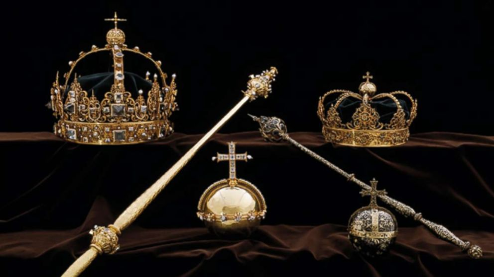 On July 31, 2018, robbers stole two crowns worn by King Charles IX and his wife Queen Christina from a Swedish cathedral.
