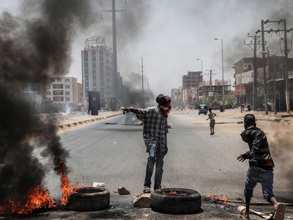PHOTO: Sudanese protesters burn tires and set up barricades on roads to the army headquarters after the intervention of Sudanese army during a demonstration in Khartoum, Sudan on June 3, 2019.