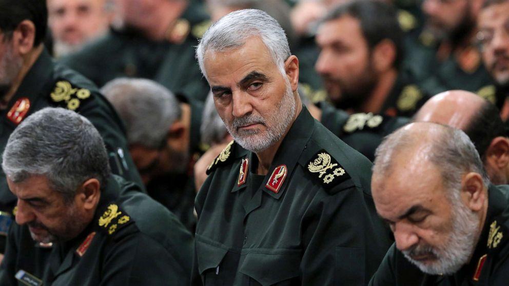 Les USA hués aux obsèques du général — Iran