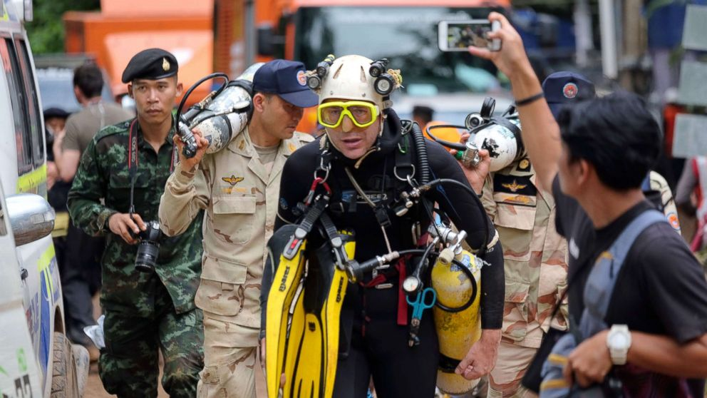 British cave-diver John Volanthen walks out from Tham Luang Nang Non cave in full kit without any response to reporter's questions, June 28, 2018, in Chiang Rai, Thailand.