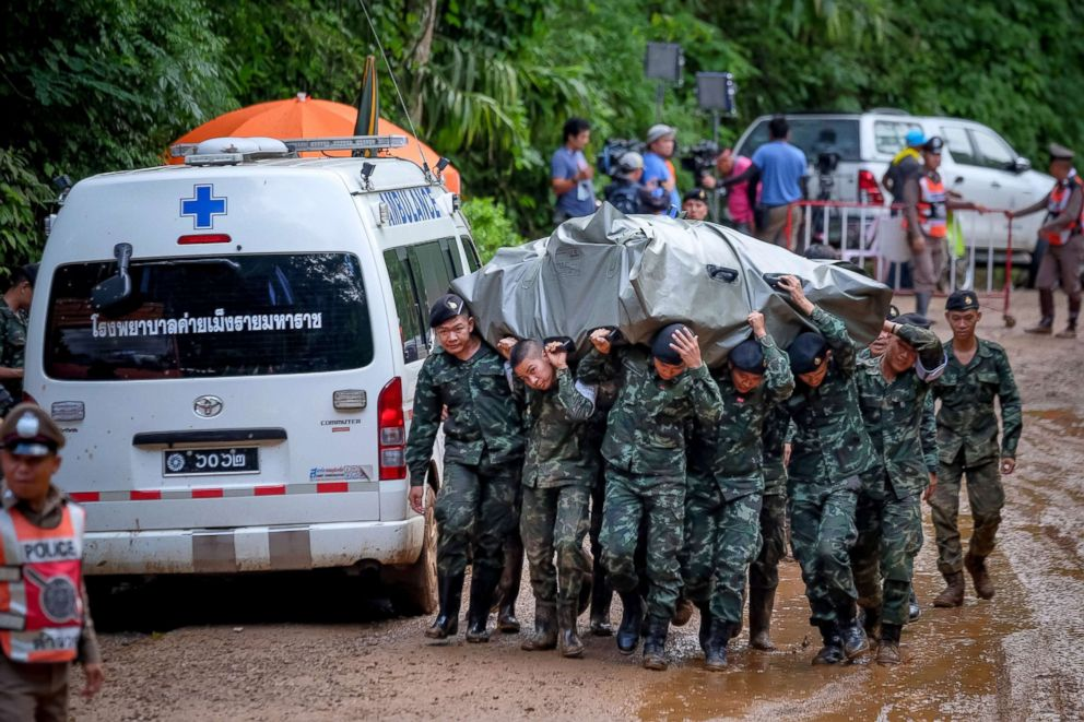 Thai Navy SEAL rescuers clear hurdle in cave search for missing boys