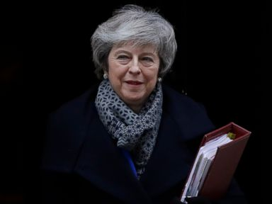UK PM May survives crucial no-confidence vote amid Brexit uncertainty