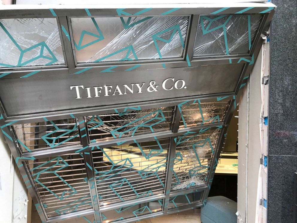 PHOTO: Police said that a Tiffany & Co. store in London was robbed after a van plowed into its storefront around 3 a.m. on April 26, 2019.