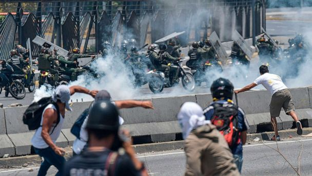 US suspends all flights to Venezuela citing safety and security