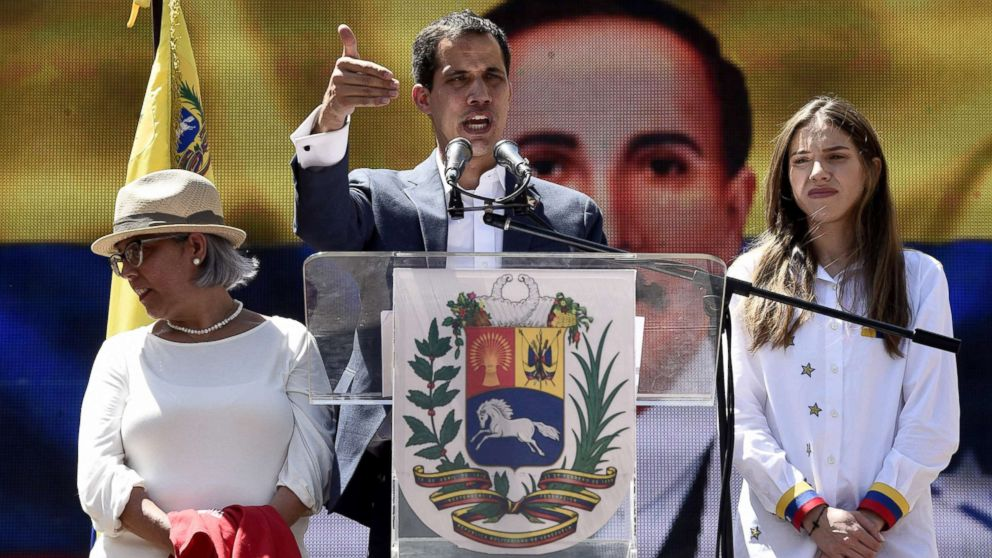 Venezuelan opposition leader vows to get humanitarian aid at border in to the country, in defiance of president Nicolas Maduro thumbnail