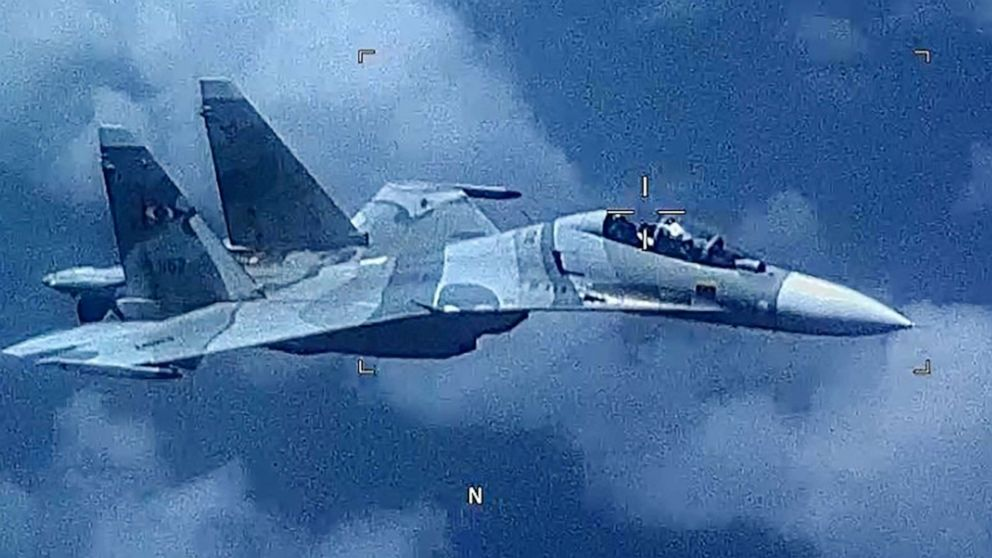Venezuelan fighter 'aggressively shadowed' US reconnaissance plane over Caribbean Sea thumbnail