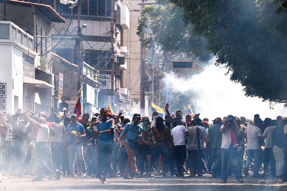 PHOTO: Protesters clash with the security forces in a demonstration against the government of Nicolas Maduro, in San Antonio del Tachira, Venezuela, Feb. 23, 2019.