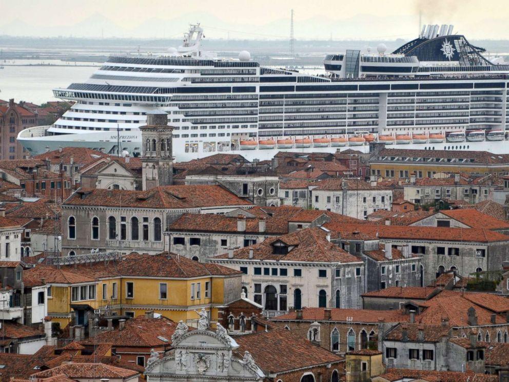 PHOTO: The cruise ship MSC Preziosa navigating in the Canale della Giudecca, in Venice, Italy, April 5, 2014, in this file photo.