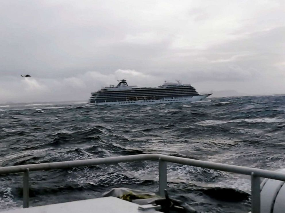 PHOTO: The cruise ship Viking Sky drifts towards land after an engine failure near Hustadvika, Norway, March 23, 2019.