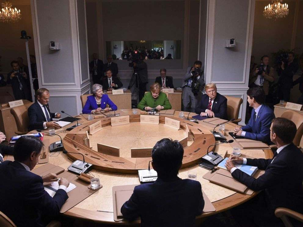 PHOTO: Leaders of the G7 participate in a working session of the G7 Summit in La Malbaie, Quebec, Canada, June 8, 2018.