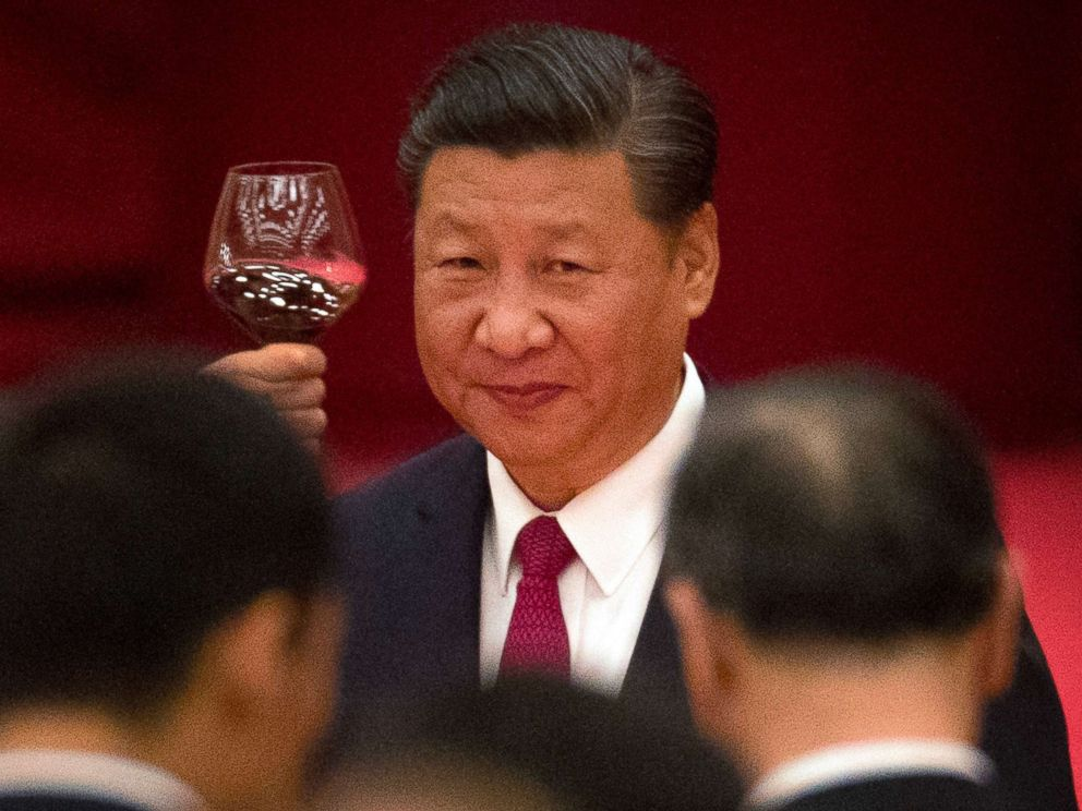 PHOTO: In this Sept. 30, 2017 file photo, Chinese President Xi Jinping toasts during a reception at the Great Hall of the People on the eve of the Oct. 1 National Day holiday in Beijing.