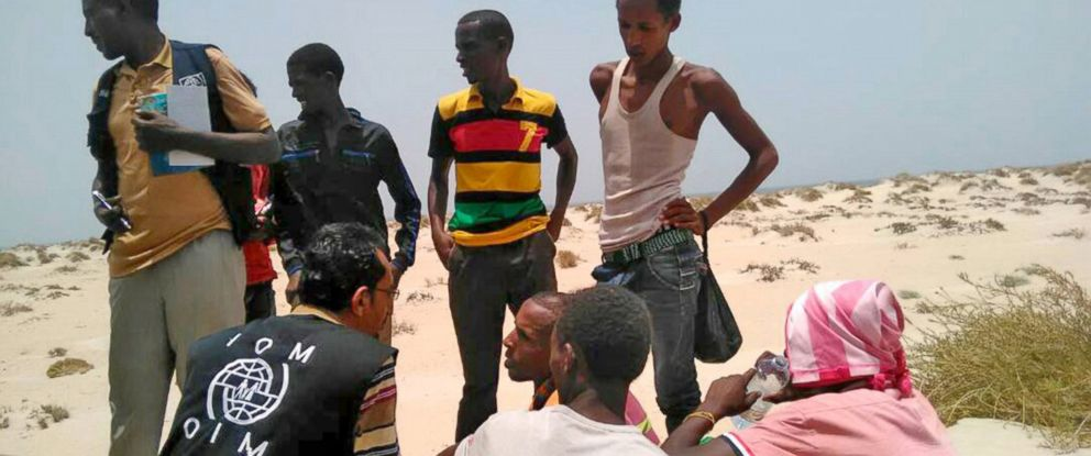 PHOTO: IOM staff assist Somali and Ethiopian migrants, who were reportedly forced into the sea by smugglers, on a beach in Shabwa, Yemen, Aug. 10, 2017.