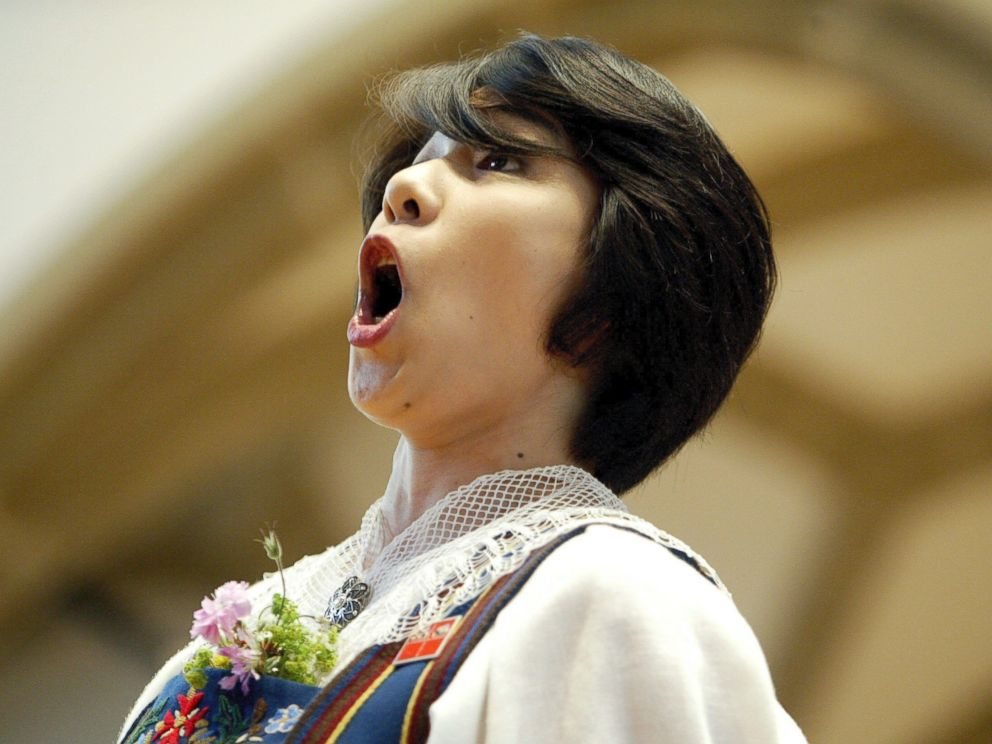 PHOTO: Yodeler Ito Keiko from Tokyo yodels during the 26th National Yodeling Festival in Aarau, Switzerland on June 18, 2005.