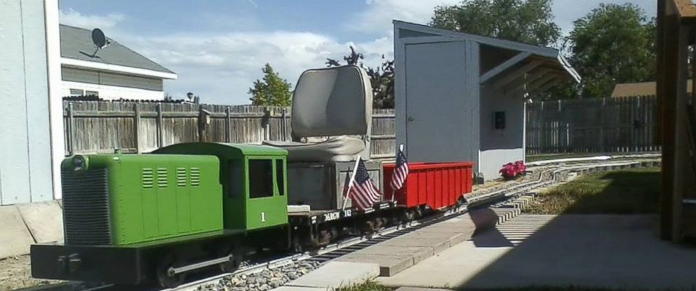 PHOTO: Man Builds 400-Foot Backyard Railroad Because He 'Got a Wild Bug'