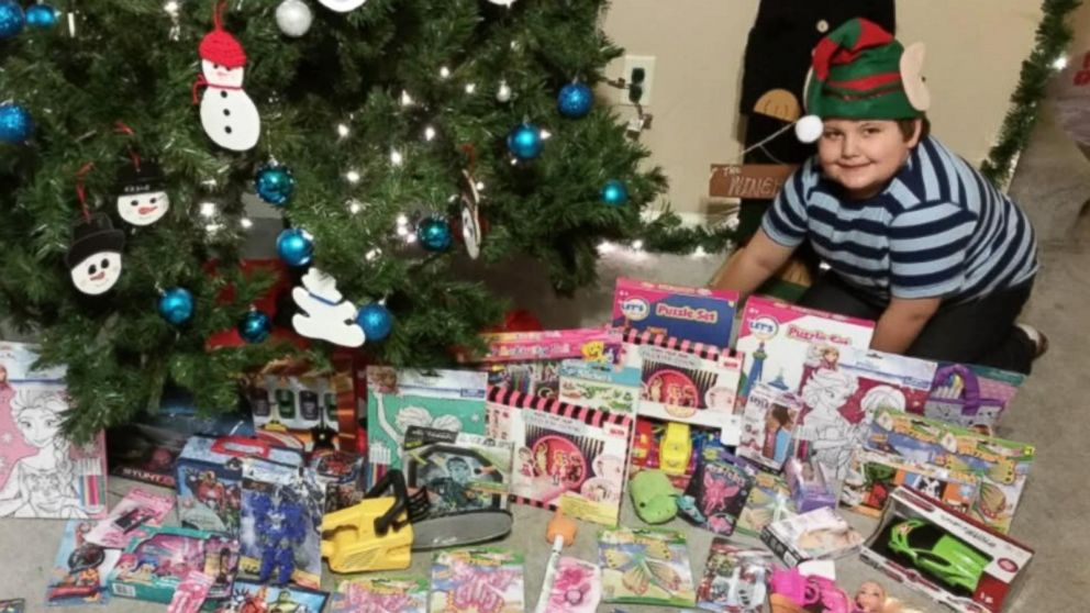 6 Year Old Sells Artwork To Buy Christmas Gifts For Kids In Need