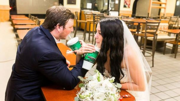 0d6bf80456605 Bride and groom spice up their wedding photos at Taco Bell | GMA